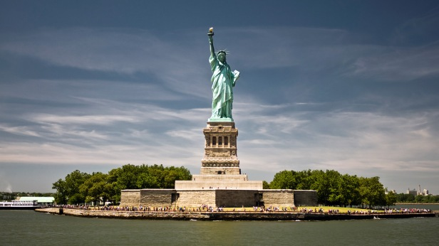 7040815-statue-of-liberty-new-york