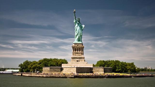 7040815-statue-of-liberty-new-york